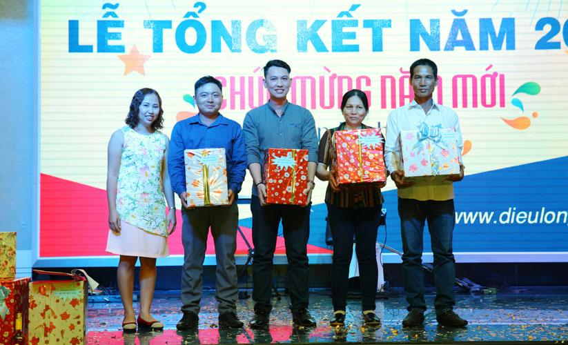 le-tong-ket-2016 - TK2017-021.jpg